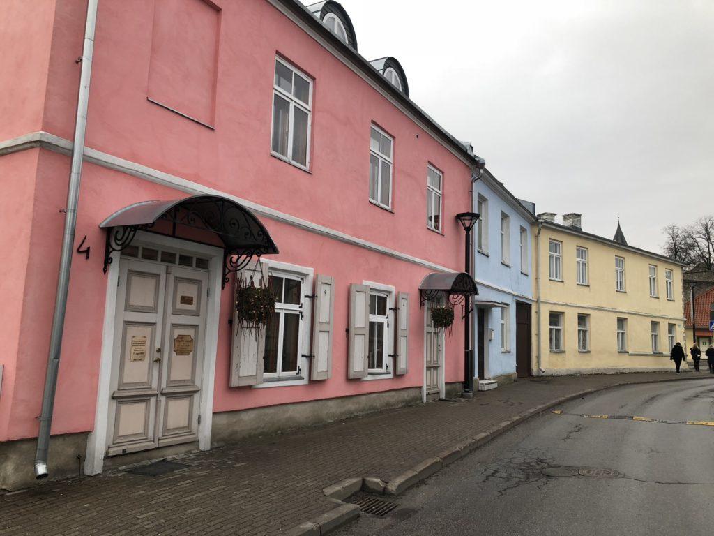 Vieraana Virossa